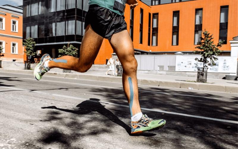 Mięsień czworogłowy uda – 9 ćwiczeń dla biegaczy.