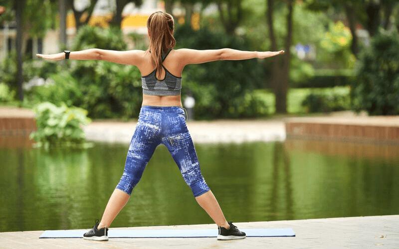 Joga dla biegaczy – 7 ćwiczeń, które warto wdrożyć do planu treningowego