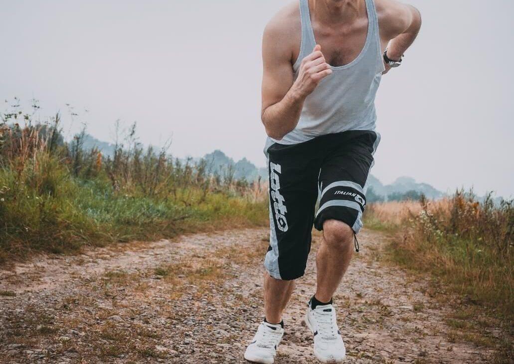 jak trenować podbiegi