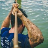 Biegi z przeszkodami – jak się do nich przygotować? Poradnik debiutanta