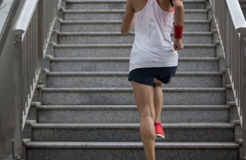 Bieganie po schodach jako sposób na oryginalny trening dla biegacza