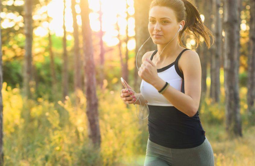 Jak oddychać podczas biegania? – 8 wskazówek jak robić to prawidłowo.