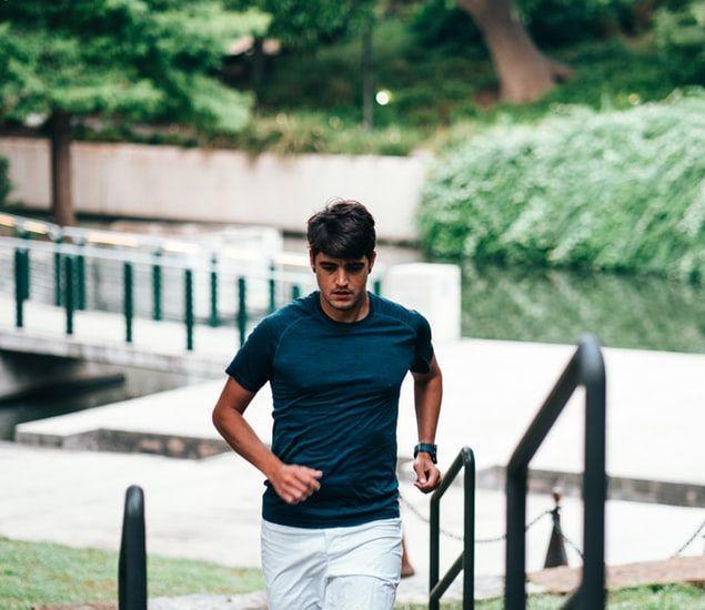 Przydatne akcesoria dla biegacza – 24 rzeczy, które uratują Cię na trasie i ułatwią bieganie.