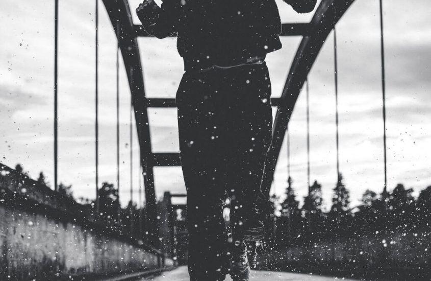 Bieg w deszczu podczas zawodów – jak się przygotować?