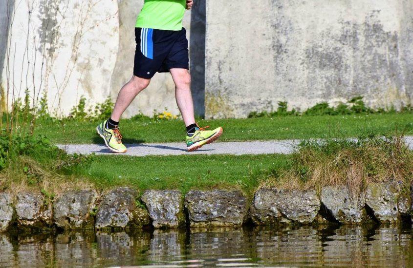 Treningowe, startowe, trailowe. Przegląd najpopularniejszych typów butów do biegania