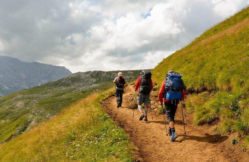 Buty trekkingowe na lato i zimę – najważniejsze różnice