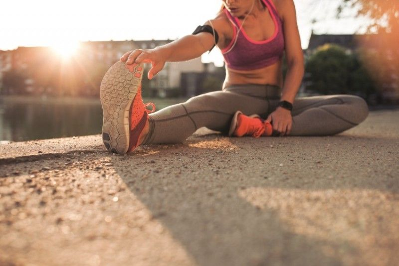 ćwiczenie na rozciąganie nóg