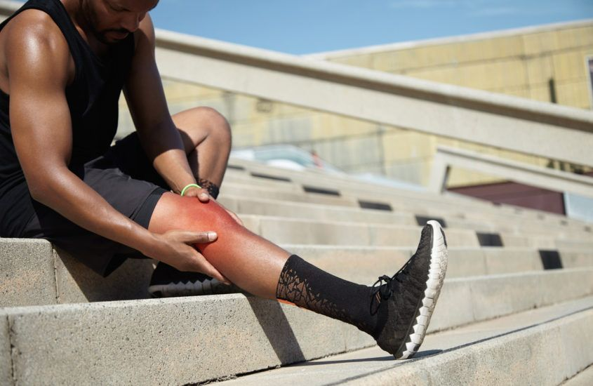 Czym jest kolano biegacza? Wszystko, co powinni wiedzieć aktywni biegacze