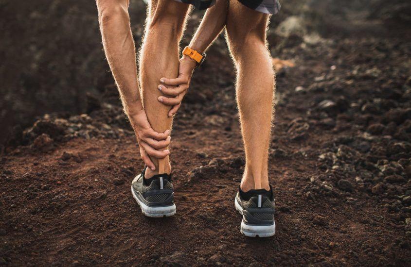 Skurcze łydek podczas biegania – z czego wynikają i jak im zaradzić?