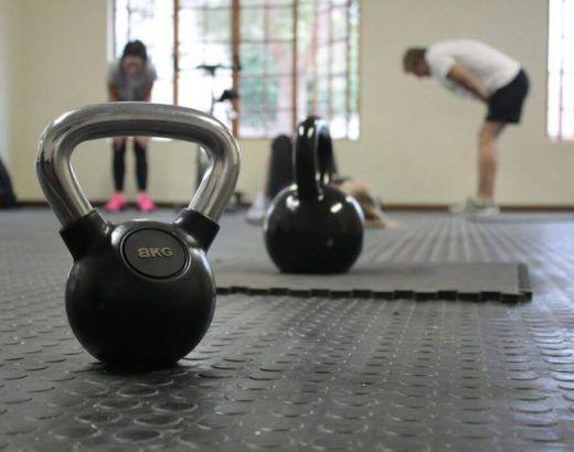 Jakie akcesoria do ćwiczeń w domu wybrać?