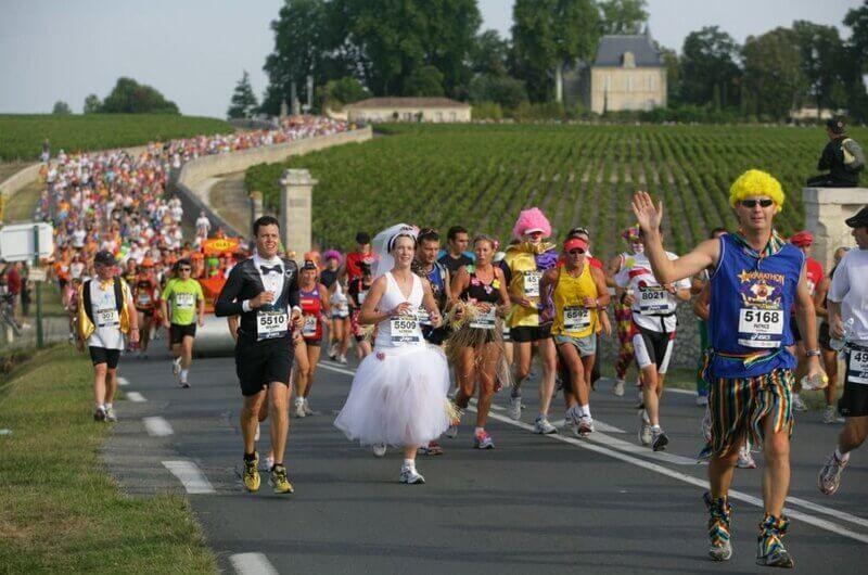 przebrani biegacze, niezwykła impreza biegowa