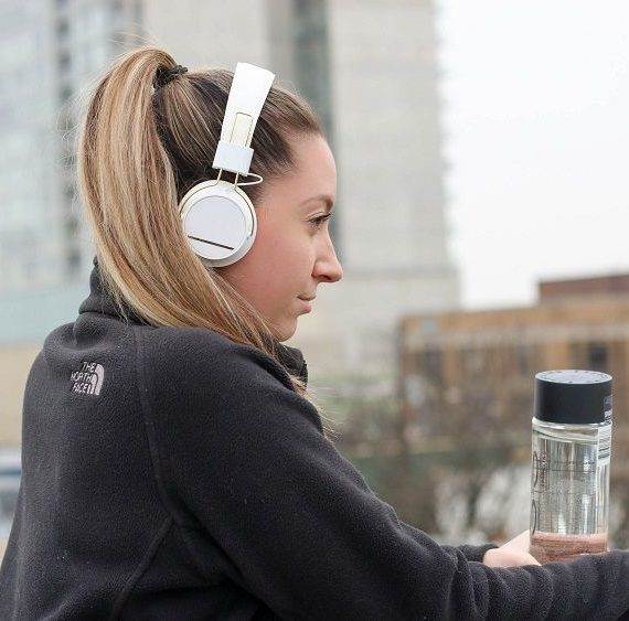 which headphones for running - hat to choose