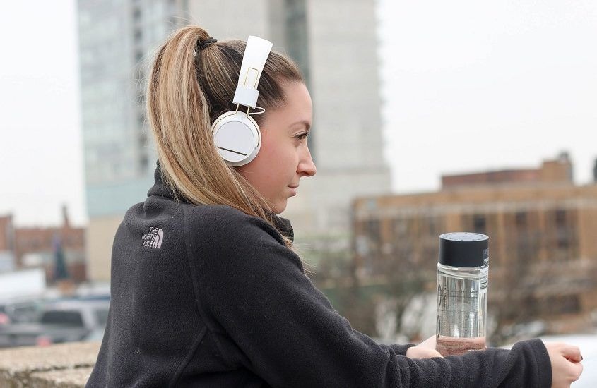 Which headphones for running are best to choose – what should you pay attention to when choosing them?