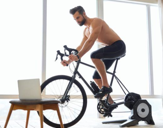 trenażer rowerowy do jazdy w domu